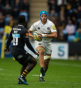 1st October 2017, Ricoh Arena, Coventry, England; Aviva Premiership rugby, Wasps versus Bath Rugby;  Zach Mercer on the charge for Bath