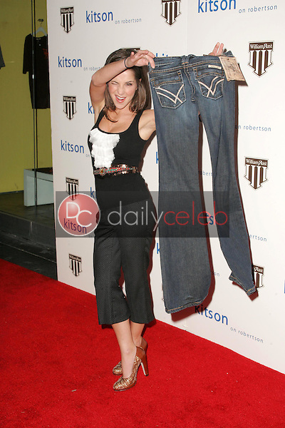 Kelly Monaco<br />at the William Rast Collection debut. Kitson, Los Angeles, CA. 11-10-05<br />Dave Edwards/DailyCeleb.com 818-249-4998