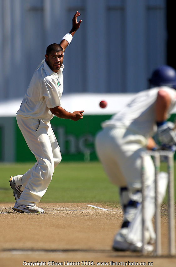 Jeetan Patel bowls to Tim Ambrose during day four of the National Bank Test Match Series 1st test between the New Zealand Black Caps and England at Seddon Park, Hamilton, New Zealand on Saturday, 8 March 2008. Photo: Dave Lintott / lintottphoto.co.nz