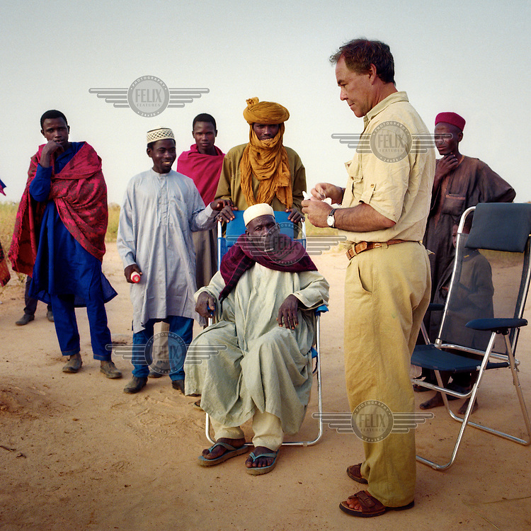 Anthropologist Francisco Giner Abati speaking with Alayi Lima, the local chief of the Fulani (Peul) tribe.