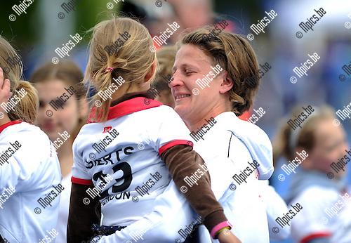 2012-05-17 / Hockey / 2011-2012 / Antwerp kampioen / Emoties bij Sofie Gierts ..Foto: Mpics.be