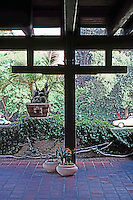 Greene & Greene: Gamble House.  Photo '85.
