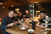 Europe/Monaco/Monte Carlo:  Joël Robuchon dans son restaurant nippon: restaurant Yoshi au Métropole [Non destiné à un usage publicitaire - Not intended for an advertising use]