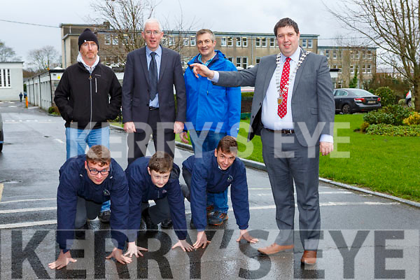 Under Starter Orders: Killarney Mayor Niall Kelleher launches the Killarney Valley AC 5k in aid of the Micro Track which will be held in Killarney on Sunday 28th January l-r: Callum Myers, Rian Gill and Jakub Kunicki. Back row: John O'Shea, Sean Coffey Principal and Connie Lynch