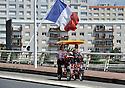 09/08/11 - VICHY - ALLIER - FRANCE - Rosalie sur le Pont Barrage a Vichy - Photo Jerome CHABANNE