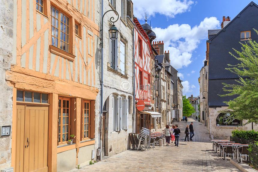 France, Loiret (45), Orléans, maisons à pans de bois rue de la Charpenterie // France, Loiret, Orleans, half-timbered buildings in Charpenterie street