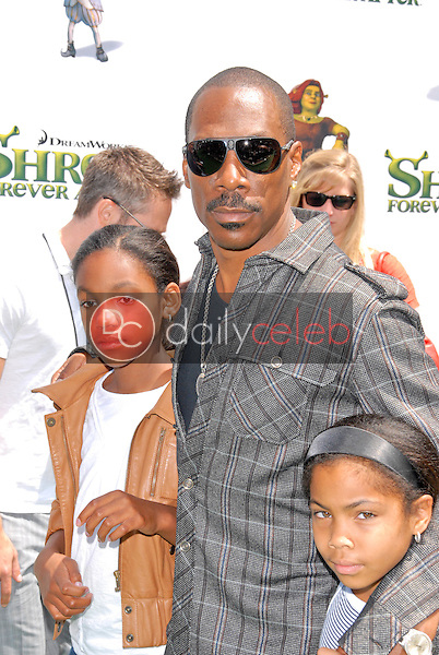 """Eddie Murphy<br /> at the """"Shrek Forever After"""" Los Angeles Premiere, Gibson Amphitheater, Universal City, CA. 05-16-10<br /> David Edwards/DailyCeleb.com 818-249-4998"""