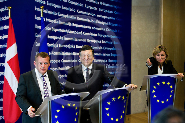 BRUSSELS - BELGIUM - 13 MAY 2009 -- From left Danish new Prime Minister Lars Løkke (Lokke) RASMUSSEN, EC President Jose Manuel BARROSO and spokesperson Pia AHRENKILDE HANSEN during a press conference at the commission headquarters in Brussels.  Photo: Erik Luntang/EUP-IMAGES