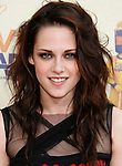 UNIVERSAL CITY, CA. - May 31: Actress Kristen Stewart arrives at the 2009 MTV Movie Awards held at the Gibson Amphitheatre on May 31, 2009 in Universal City, California.