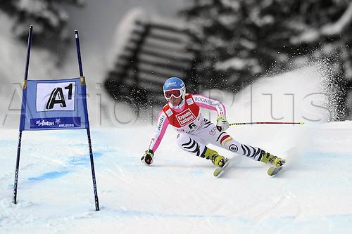 13.01.2013. St Anton, Austria.  Ski Alpine FIS World Cup Super G for women Veronique  ger