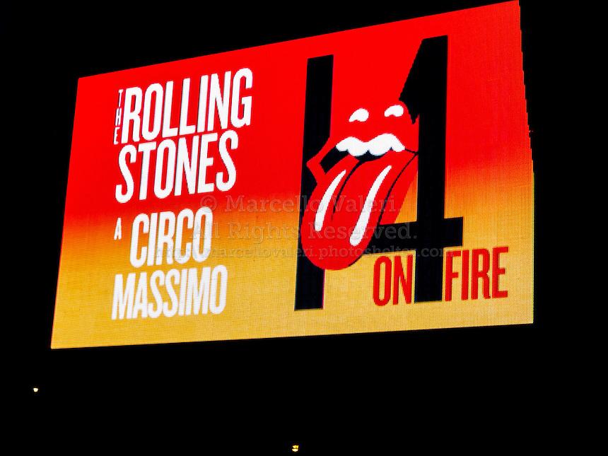 Roma, 22 giugno 2014 : 70.000 persone assistono allo straordinario concerto dei Rolling Stones al Circo Massimo - Rome, June 22nd 2014 : 70,000 people attend the extraordinary concert of The Rolling Stones at Circus Maximus.