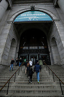 People arrive to the American Museum of Natural History where the The Titanosaur, the largest dinosaur ever displayed is revealed on it's first day open to the public   in New York. 15.01.2016. Kena Betancur/VIEWpress