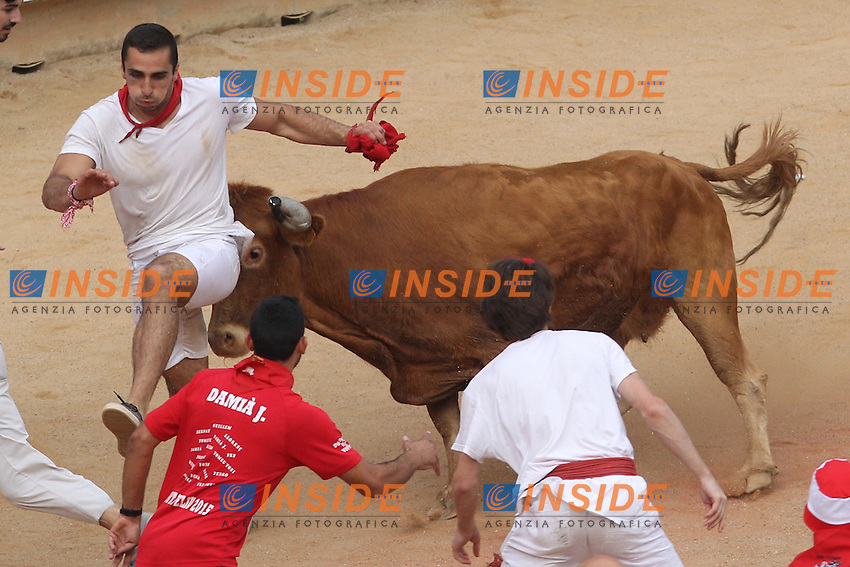 Release of heifers of San Fermin in bull square at Pamplona, after the bull runing. July 07, 2016. (Insidefoto/ALTERPHOTOS/Rodrigo Jimenez <br /> San Firmino Corsa dei Tori