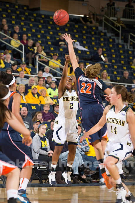 The University of Michigan women's basketball team defeats Illinois, 69-60, at Crisler Center in Ann Arbor, Mich. on January 18, 2014.