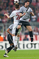 30.09.2009, Alianz Arena München, GER, UEFA CL, FC Bayern München vs Juventus Turin EXPA Pictures © 2009, Photographer Insidefoto/EXPA/ J. Groder<br /> Vincenzo Iaquinta ( Juventus #9, ITA ) vs Holger Badstuber, ( FC Bayern #28, GER )