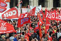 Milano 14-11-2014 manifestazione per sciopero generale Fiom Cgil <br /> General strike Demonstration against the government's economic policy in Milano <br /> foto Andrea Ninni/Image/Insidefoto