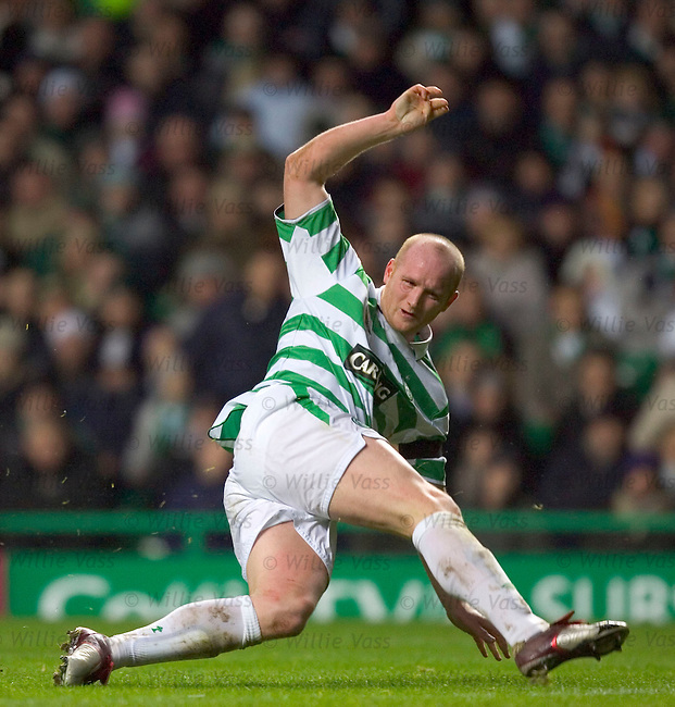 John Hartson, Celtic.stock season 2004-2005.pic willie vass