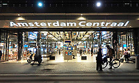 Nederland - Amsterdam -  21 april 2018.  Achterzijde van Centraal Station. De IJhal.   Foto Berlinda van Dam / Hollandse Hoogte