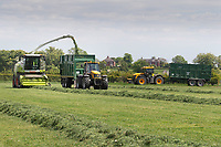 14.5.2020  Contractors making silage in Lincolnshire <br /> ©Tim Scrivener Photographer 07850 303986<br />      ....Covering Agriculture In The UK....