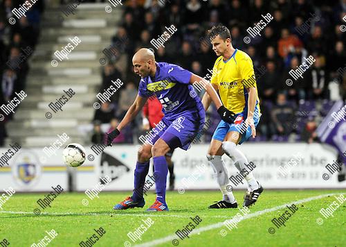 2014-01-04 / Voetbal / seizoen 2013-2014 / Beerschot-Wilrijk - Schriek / Dyron Rudolph Daal (Beerschot-Wilrijk) met Gert Michiels in de rug<br /><br />Foto: Mpics.be