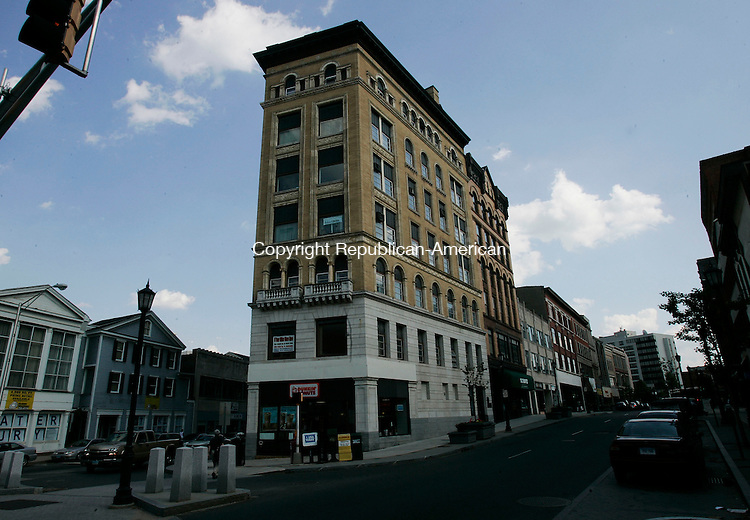 WATERBURY, CT - 07 June 2005 -060705BZ05- 63 bank Street in Waterbury has been sold to a Waterbury-based investment firm.<br /> Jamison C. Bazinet Photo