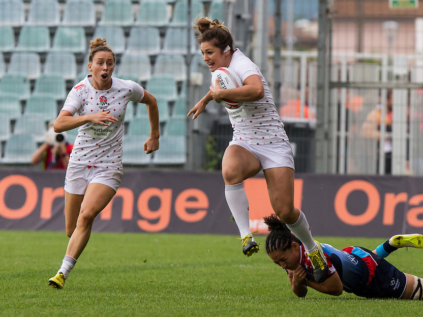 Amy Wilson-Hardy tackled by Kelly Griffin, World Rugby Women's HSBC Sevens Series, Clermont Ferrand, Day 2, at Stade Gabriel Montpied, Clermont Ferrand, France, on 29th May 2016
