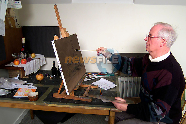 Artist Padraig Lynch at work in his studio in Ardee..Picture: Paul Mohan/Newsfile