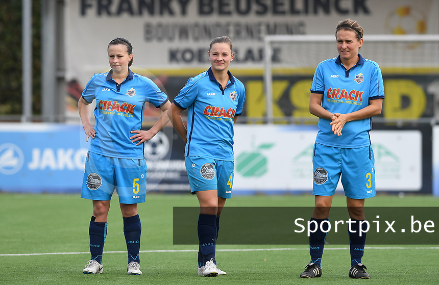 20191005  -  Diksmuide , BELGIUM : FWDM's Hanne Borteel , FWDM's Delphine Lins and FWDM's Sarah Verschaeve   pictured during a footballgame between the womensoccer teams from Famkes Westhoek Diksmuide Merkem and KV Mechelen Ladies A , on the 5th matchday in the first division , 1e nationale , in Diksmuide - Belgium - saturday 5th october 2019 . PHOTO DAVID CATRY | Sportpix.be