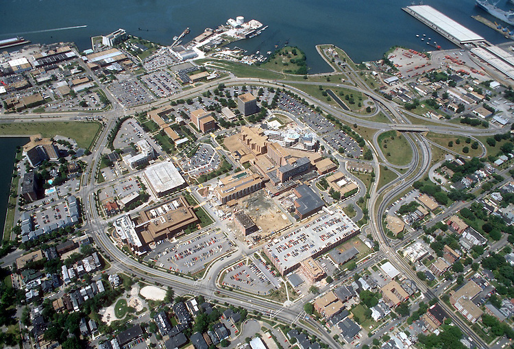 1992 May ..Redevelopment.Atlantic City (R-1)..NORFOLK GENERAL HOSPITAL.EVMS MEDICAL SCHOOL.PLUM POINT.LOOKING SOUTHWEST...NEG#.NRHA#..