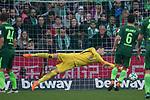 15.04.2018, Weser Stadion, Bremen, GER, 1.FBL, Werder Bremen vs RB Leibzig, im Bild<br /> <br /> <br /> Jiri Pavlenka (Werder Bremen #1) Philipp Bargfrede (Werder Bremen #44)<br /> Max Kruse (Werder Bremen #10)<br /> <br /> Foto &copy; nordphoto / Kokenge
