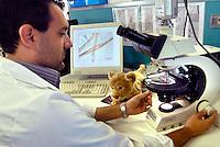 Cabiate, Como, l'Istituto Italiano Sicurezza Giocattoli, garantisce con prove tecniche e chimiche, la sicurezza dei giocattolie di arredi dedicati al mondo dell'infanzia, e l'idoneità del marchio CE, Comunità Europea
