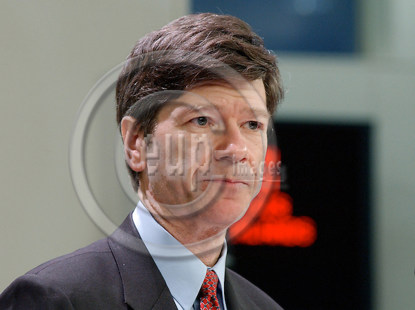 Brussels-Belgium - 18 January 2005---Prof. Jeffrey D. SACHS, Director of The Earth Institute at Columbia University,  Quetelet Professor of Sustainable Development, and Professor of Health  Policy and Management at Columbia University; also Director of the  UN Millennium Project and Special Advisor to United Nations Secretary-General Kofi Annan on the Millennium Development Goals, the internationally agreed goals to reduce extreme poverty, disease, and hunger by the year 2015; during a press conference at the HQ of the EC---Photo: Horst Wagner/eup-images