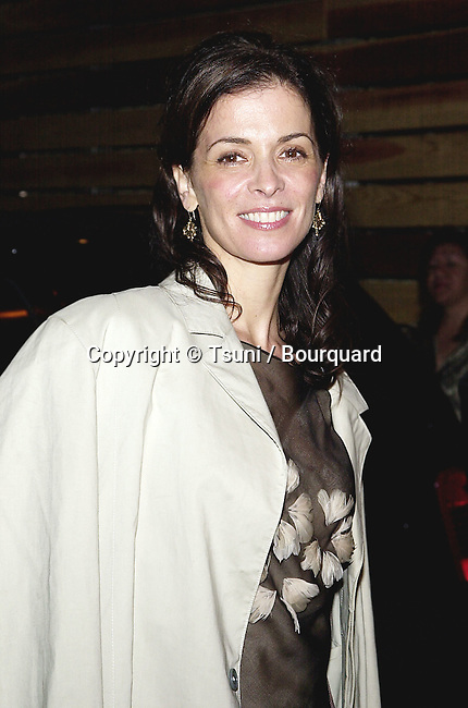 Annabella Sciorra arriving at the dinner party for the store opening of TOD's  / Diego Della Valle  and benefit for Autism Now and Job for a Future at the Moomba Club in Los Angeles  3/15/2001            -            SciorraAnnabella11.jpg