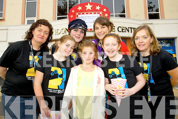 Helen Horan, Kelsey Horan, Aoife Fitzmaurice, Leah Horan, Marie Edwards, Dayna Horan and Deirdre Walsh pictured at a screening of Ernest and Celestine at the Brandon hotel on Saturday.