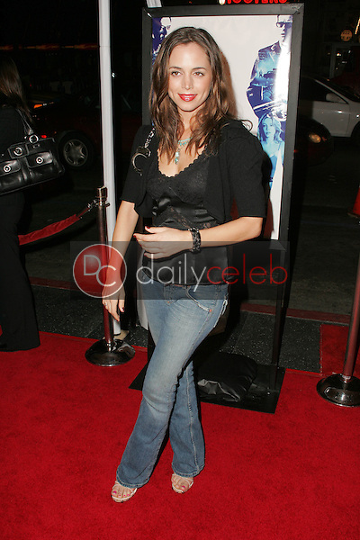 """Eliza Dushku<br /> at the premiere of """"Kiss Kiss, Bang Bang"""" on the opening night of the 9th Annual Hollywood Film Festival, Grauman's Chinese Theatre, Hollywood, CA 10-18-05<br /> David Edwards/DailyCeleb.Com 818-249-4998"""