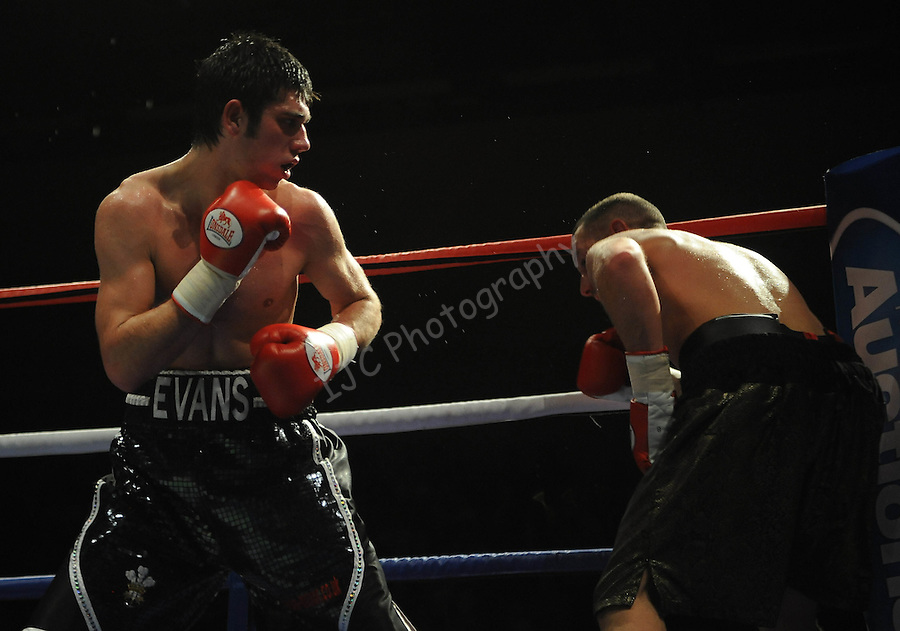 Ryan Evans (Black & White Shorts) V Daniel Thorpe (Black shorts). Joe Calzaghe Promotions Boxing Evening Joe Calzaghe Promotions Boxing Evening .Date: Friday 20/11/2009,  .© Ian Cook IJC Photography, 07599826381, iancook@ijcphotography.co.uk,  www.ijcphotography.co.uk, .