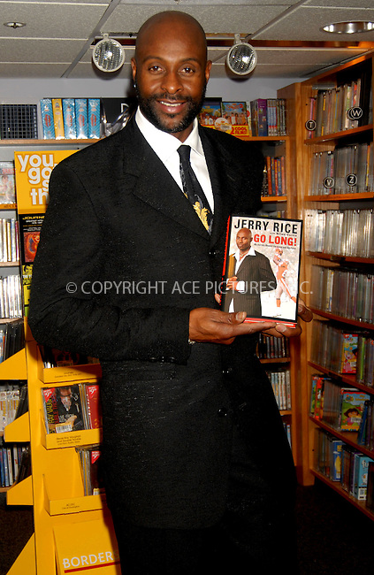 WWW.ACEPIXS.COM . . . . . ....January 16, 2007, New York City....Jerry Rice signs copies of his book 'Go Long' at Borders Books & Music.....Please byline: KRISTIN CALLAHAN - ACEPIXS.COM.. . . . . . ..Ace Pictures, Inc:  ..(212) 243-8787 or (646) 679 0430..e-mail: picturedesk@acepixs.com..web: http://www.acepixs.com