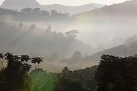Pedra Bonita_MG, Brasil...Amanhecer em uma paisagem rural em Pedra Bonita...The daybreak in the rural landscape in Pedra Bonita...Foto: LEO DRUMOND / NITRO