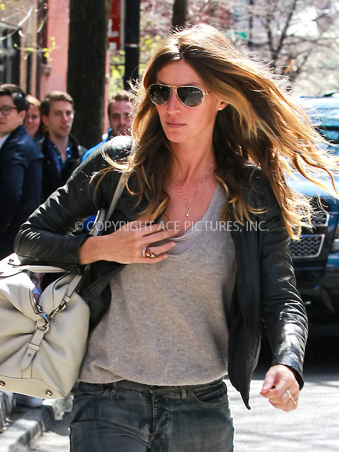 WWW.ACEPIXS.COM....April 14 2013, New York City....Model Gisele Bundchen walks in Midtown manhattan on April 14 2013 in New York City........By Line: John Peters/ACE Pictures......ACE Pictures, Inc...tel: 646 769 0430..Email: info@acepixs.com..www.acepixs.com