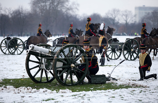 06/02/2012. LONDON, UK. The Kings Troop Royal Horse Artillery prepare to fire a 41 gun salute in Hyde Park. Gunners of the Kings Troop, based at St John's Wood since 1947, today (06/02/12) left their barracks for the last time to fire their guns in Hyde Park, the soldiers will move tomorrow to their new home in Woolwich. Photo credit: Matt Cetti-Roberts