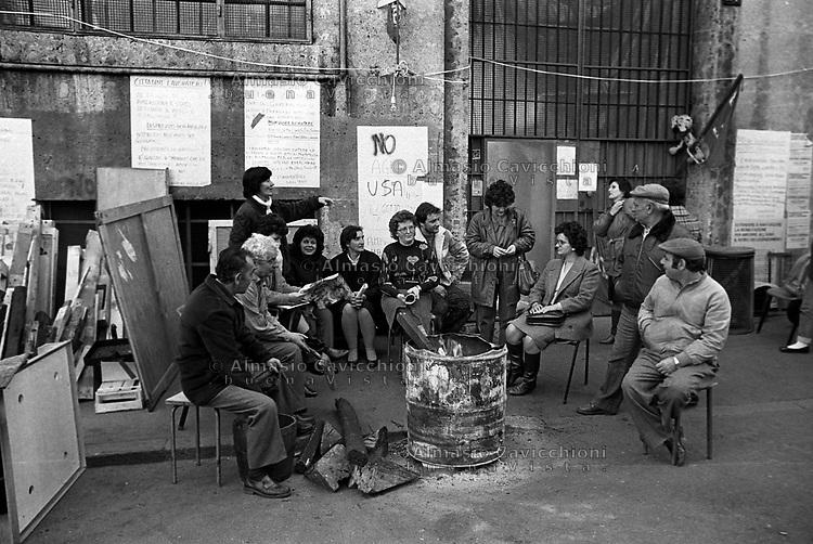 Milano: presidio AMF in difesa del posto di lavoro contro la chiusura della fabbrica<br />  Milan: AMF garrison in defense of the workplace against the closure of the factory