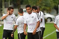 SANTOS, SP, 14.10.2015 - FUTEBOL-SANTOS - Werley, jogador do Santos durante sessão de treinamento no Centro de Treinamento Rei Pelé nesta quarta-feira, 14. (Foto: Flavio Hopp/Brazil Photo Press)