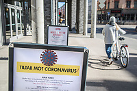 Sign informing about anti corona measures. Norwegian authorites introduced measures to combat the Coronavirus (COVID-19).<br />