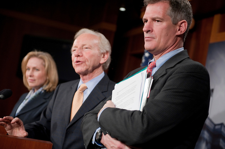 "UNITED STATES - JANUARY 31:  From left, Sens. Kirsten Gillibrand, D-N.Y., Joe Lieberman, D-Conn., and Scott Brown, R-Mass., conduct a news conference in the Capitol on the ""Stop Trading on Congressional Knowledge Act.""  (Photo By Tom Williams/CQ Roll Call)"