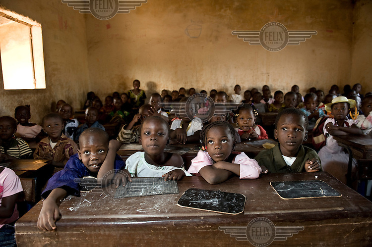 Children at school in Bamako, supported by AAdec, one of the local partners of Oxfam Novib and Oxfam International.