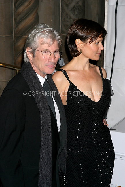 WWW.ACEPIXS.COM . . .  ....January 31, 2007, New York City.....Richard Gere and Carey Lowell arrive at the AmfAR New York City Gala honoring John Demsey, Whoopi Goldberg and Bill Roedy at Cipriani.....Please byline: JOHN WARD - ACEPIXS.COM....Ace Pictures, Inc:  ..(212) 243-8787 or 646 769 0430..e-mail: info@acepixs.com..web: http://www.acepixs.com