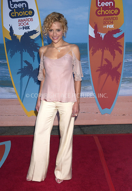 Brittany Murphy at the Teen Choice Awards 2004, Universal Studios Lot, Los Angeles - 08/08/04..FAMOUS .PICTURES AND FEATURES AGENCY .tel +44 (0) 20 7731 9333 .e-mail info@famous.uk.com .www.famous.uk.com .FAM13352