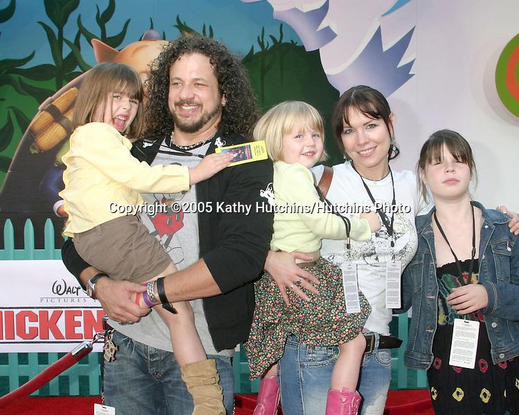 Joe Reitman.Annie Duke and her children.Chicken Little Premiere.El Capitan Theater.Los Angeles, CA.October 30, 2005.©2005 Kathy Hutchins / Hutchins Photo