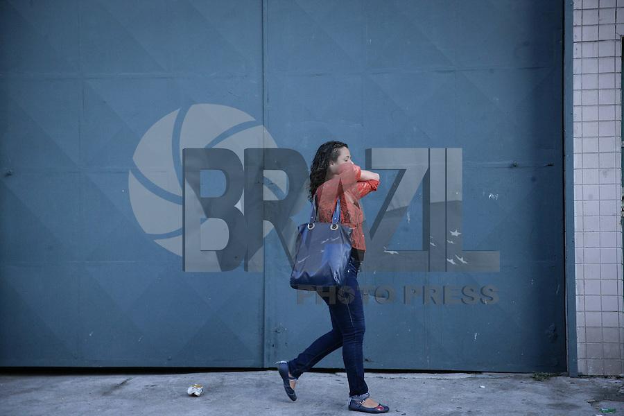 SAO PAULO, SP, 03.02.2015 - CLIMA TEMPO / SAO PAULO -  Clima tempo no bairro de Santana regiao norte de Sao Paulo, na manhã desta terça-feira, 03. (Foto: Raphael Castello / Brazil Photo Press).