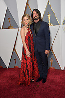 Dave Grohl &amp; Jordyn Blum  at the 88th Academy Awards at the Dolby Theatre, Hollywood.<br /> February 28, 2016  Los Angeles, CA<br /> Picture: Paul Smith / Featureflash